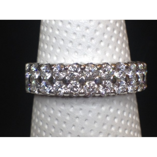 .95 CARAT TOTALWEIGHT 2 ROW BAND 14K WHITE